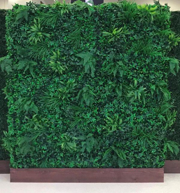 Tropical Hedge Wall