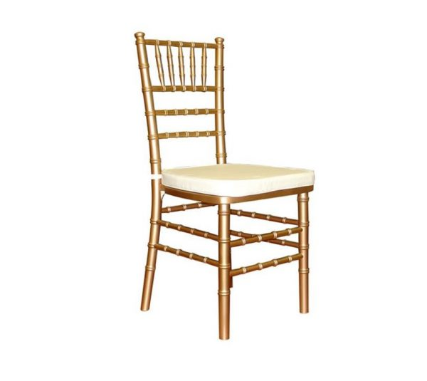 gold chiavari chair with ivory cushion